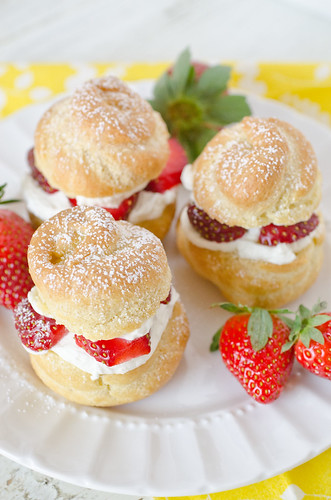 Cream Puffs filled with Strawberries and Mascarpone-2