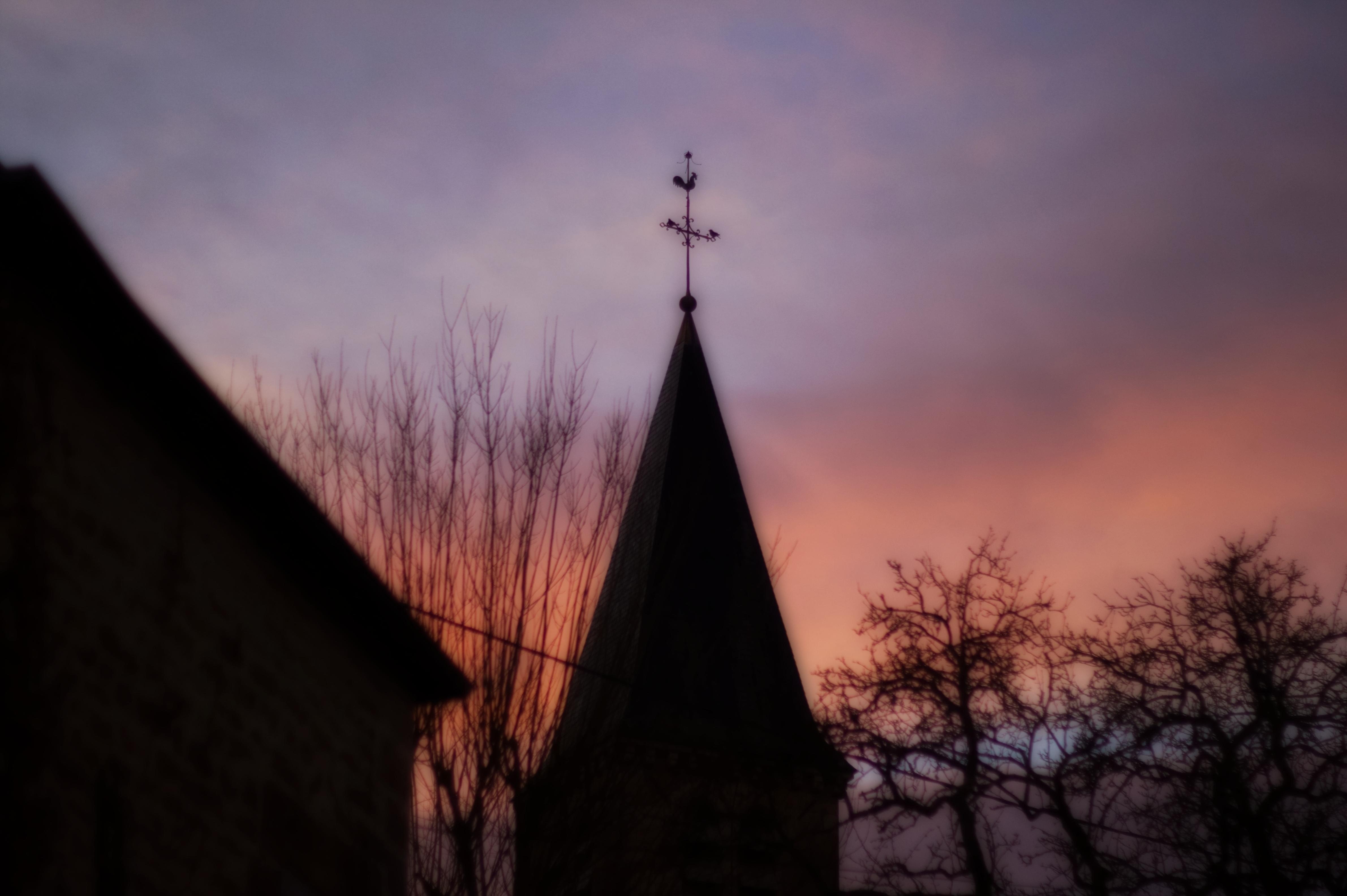 Église de Sennevoy le bas au couché du soleil