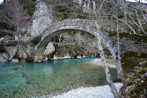 nature river greece vegetation epirus ελλάδα φύση γεφύρι ποτάμι βλάστηση ήπειροσ κλειδωνιά εθνικόσδρυμόσβίκουαώου nationalparkofvikosaoou bridgeklidonia