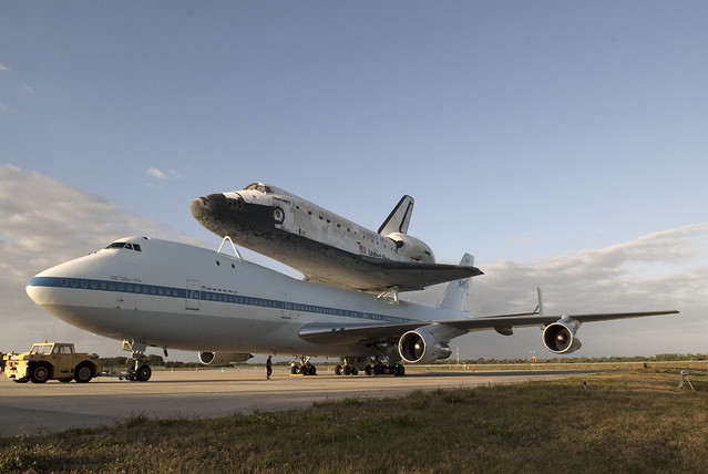 Discovery Mated To Shuttle Carrier Aircraft (KSC-2012-2292)