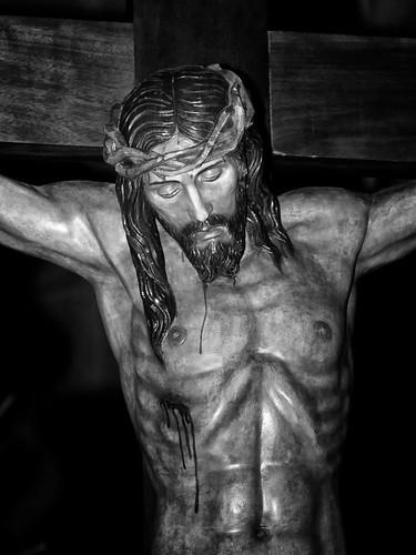 ¡Muéveme el verte clavado en una cruz y escarnecido; muéveme ver tu cuerpo tan herido; muévenme tus afrentas y tu muerte! by Andrés Ñíguez