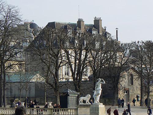 jolie maison derrière le Luxembourg.jpg