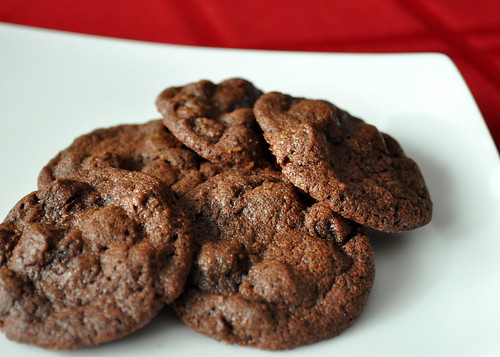 Chocolate-Chocolate-Chip-Cookies-Magnolia-Bakery-02