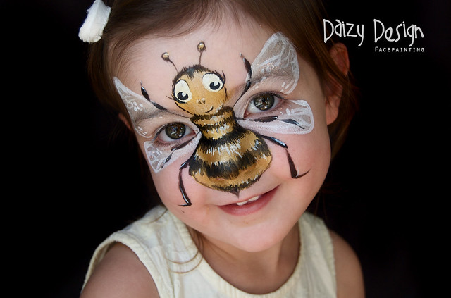 Face Paint Bumble Bee http://www.flickr.com/photos/daizydesign/7037792789/