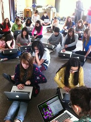 Keeping track of the amount of time we spend online for #yis digital citizenship week http://t.co/NNLXBURw