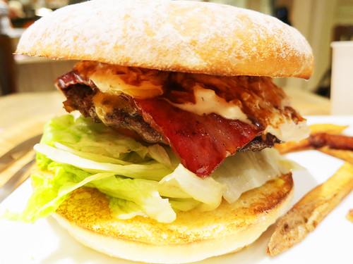 """EAT"" Cheese burger with bacon"