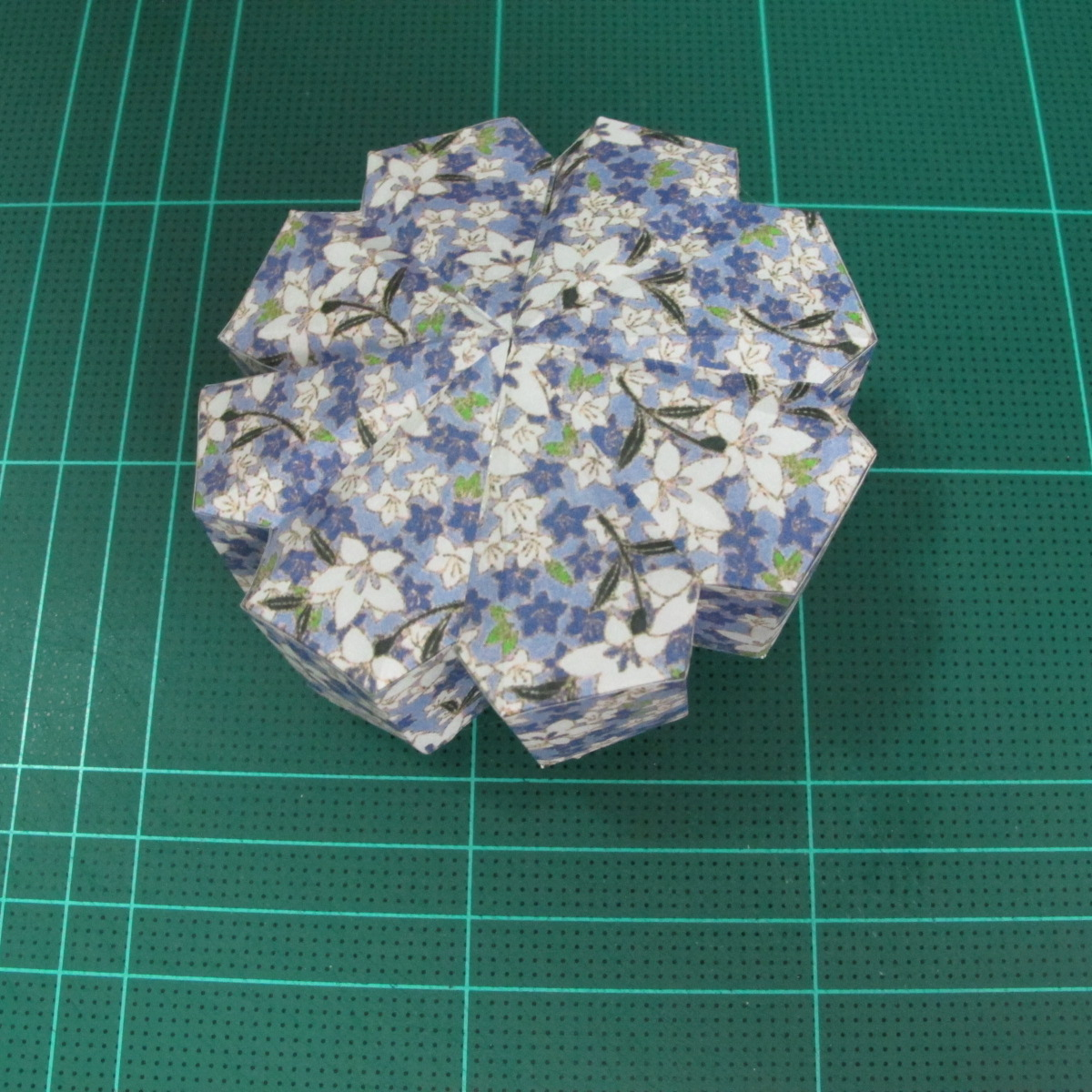 วิธีทำโมเดลกระดาษสำหรับตกแต่งทรงเรขาคณิต (Decor Geometry Papercraft Model) 010