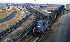 1980 11-09 1:00PM CR SD9-6903, 6902 humping at Columbus, OH