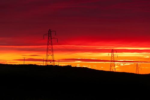 Mirando la puesta de sol by Mas que luz