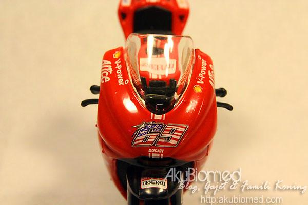 Nicky Hayden #69 Ducati replika