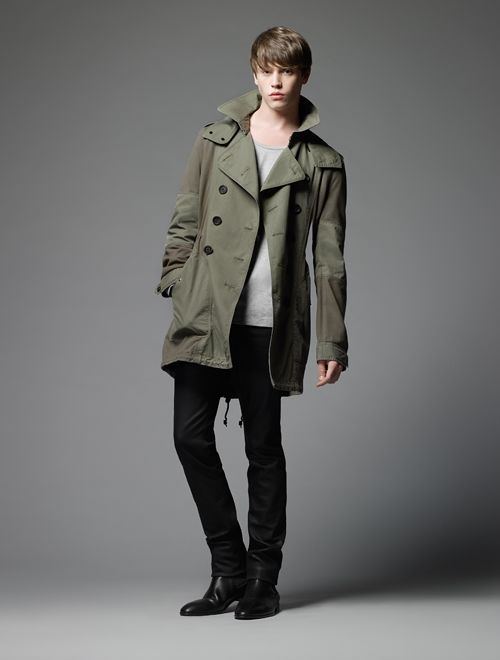 Jake Cooper0100_Burberry Black Label SS12(Official)