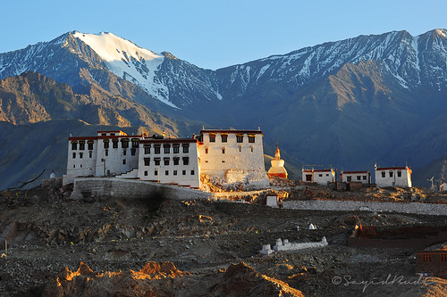 mountain landscape monastery sacredplace jk ladakh highaltitude lateafternoon gompa thiksey beforesunset afternoonlight northindia jammukashmir travelphotography landscapephotography northernindia tibetanarchitecture staknagompa jammukashmirprovince ladakhimonastery staknamonatery ladakhigompa ancientarchitecturalbuilding