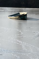 Lac gelé - Photo of Saulnières