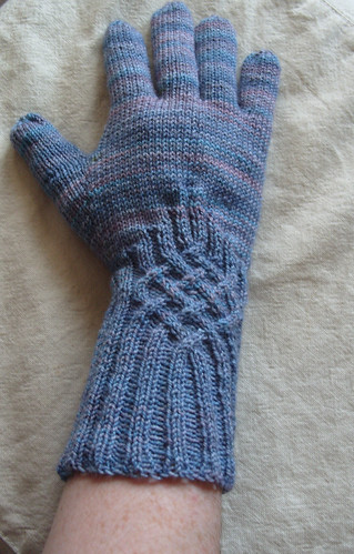 celtic knot glove by gradschoolknitter