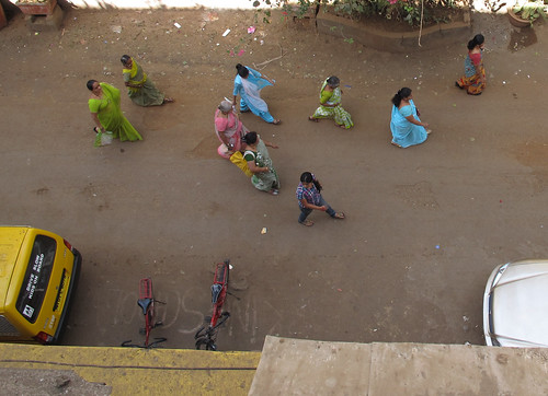 Women in saris, Mumbai