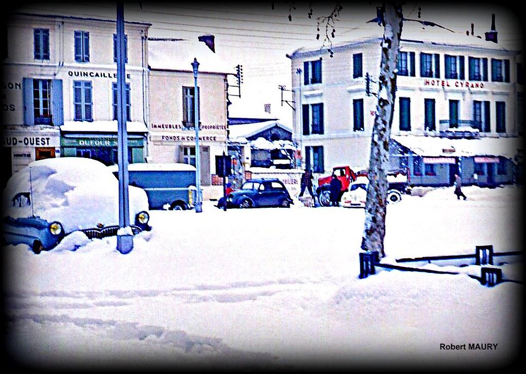 place Gambetta à Bergerac sous la neige, lors de la vague de froid de février 1956 météopassion