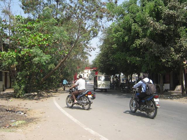 To Mumbai Bangalore Highway - Visit Sneha Paradise, 1 BHK & 2 BHK Flats near Warje Police Station, Warje, Pune 411 052