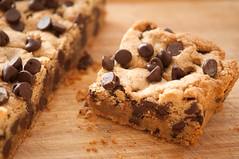 chocolate chip cookie, baking, cookie dough, chocolate chip, baked goods, food, dish, dessert, snack food,