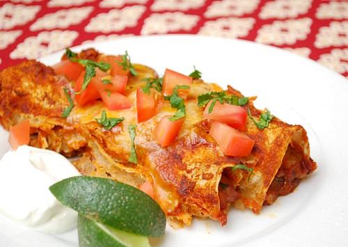 Chicken Enchiladas with Red Chili Sauce