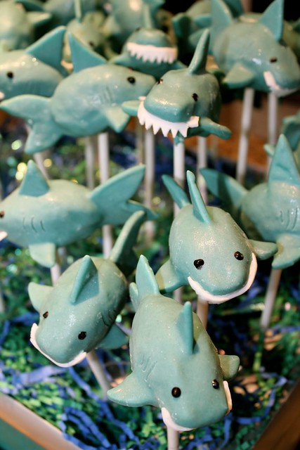 how to make shark cake pops
