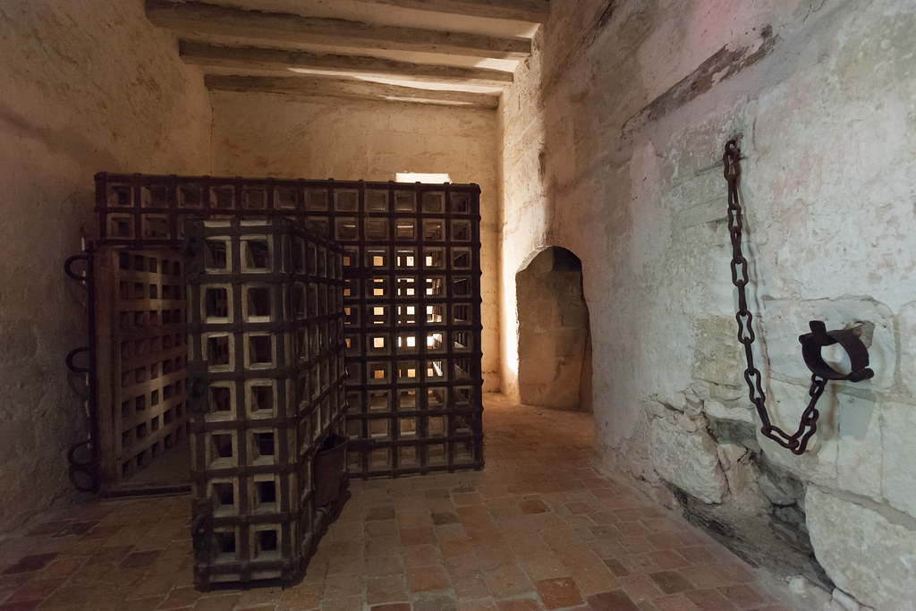 La Cage de Louis XI (reproduction), Chateau de Loches