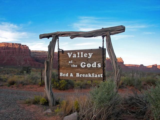 Bed & Breakfast del Valle de los Dioses ne la entrada al área por la US-261 Valle de los Dioses en Mexican Hat, Utah - 13902263901 2ab3f6b0b8 z - Valle de los Dioses en Mexican Hat, Utah