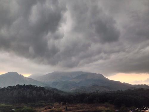 sunset rain cloudy dam hill wayanad sagar banasur