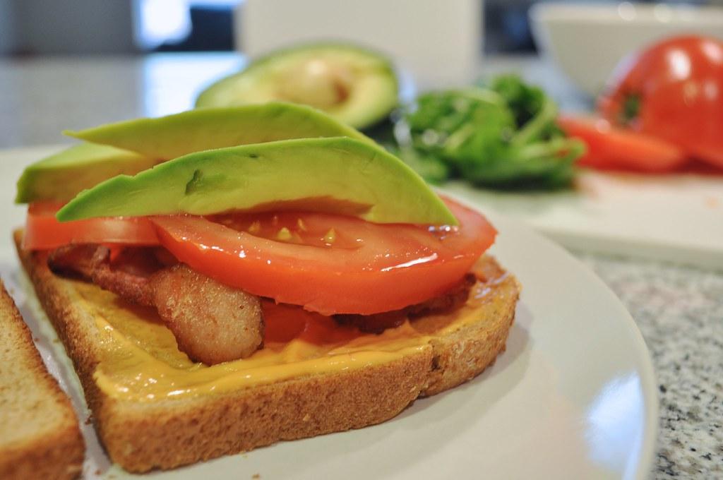 Building the Sandwich - Avocado, Tomato, Bacon, Sauce