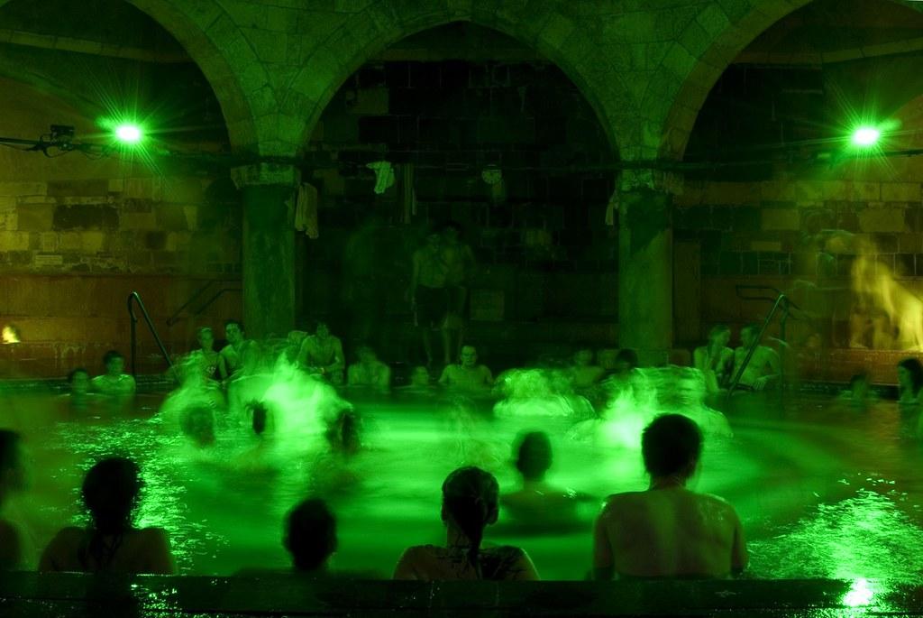 budapest-rudas-turkish-bath-csobbanj-blog-03