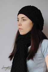Cable beret, scarf and gloves