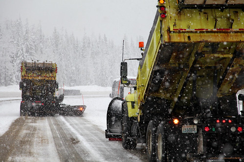 Plows clear Snoqualmie Pass