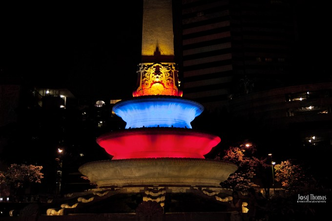 6_Una Plaza en la noche