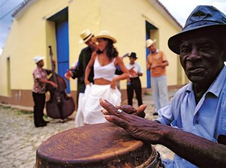 Salsa dancing in Cuba