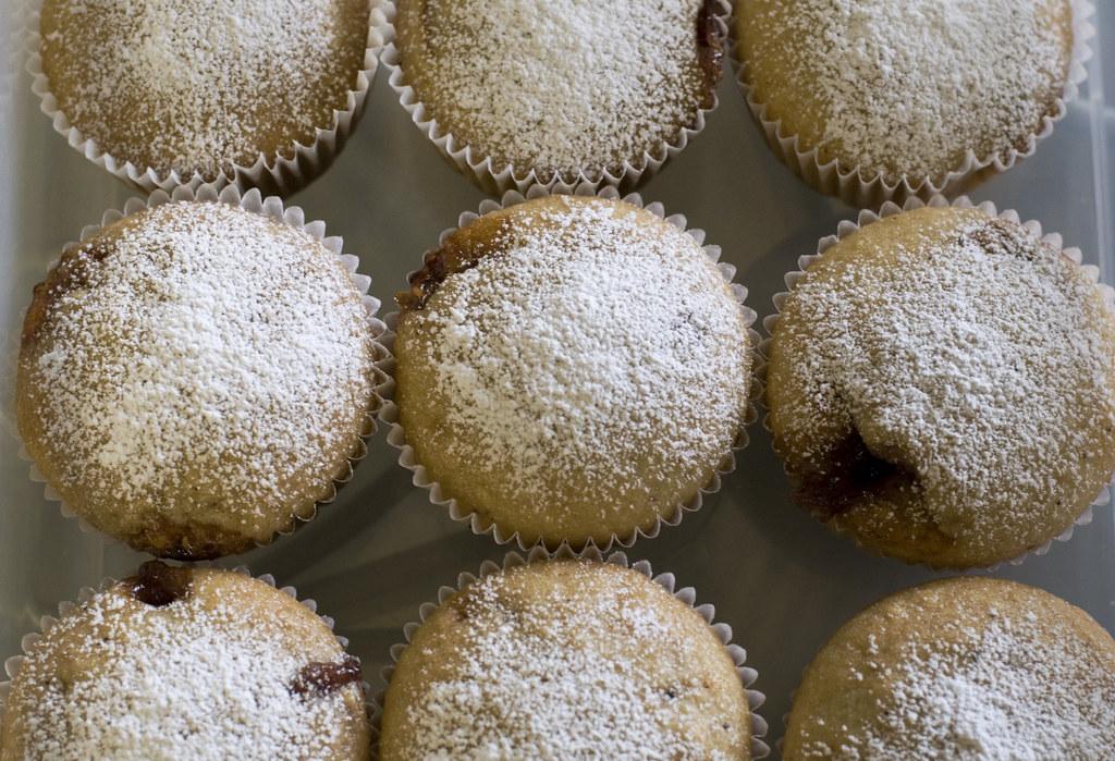 jelly doughnut cupcakes