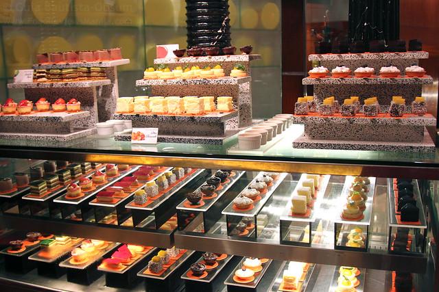Circles petite cakes