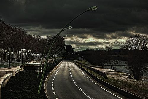 無料写真素材, 建築物・町並み, 道路・道, モノクロ, 暗雲, 風景  スペイン