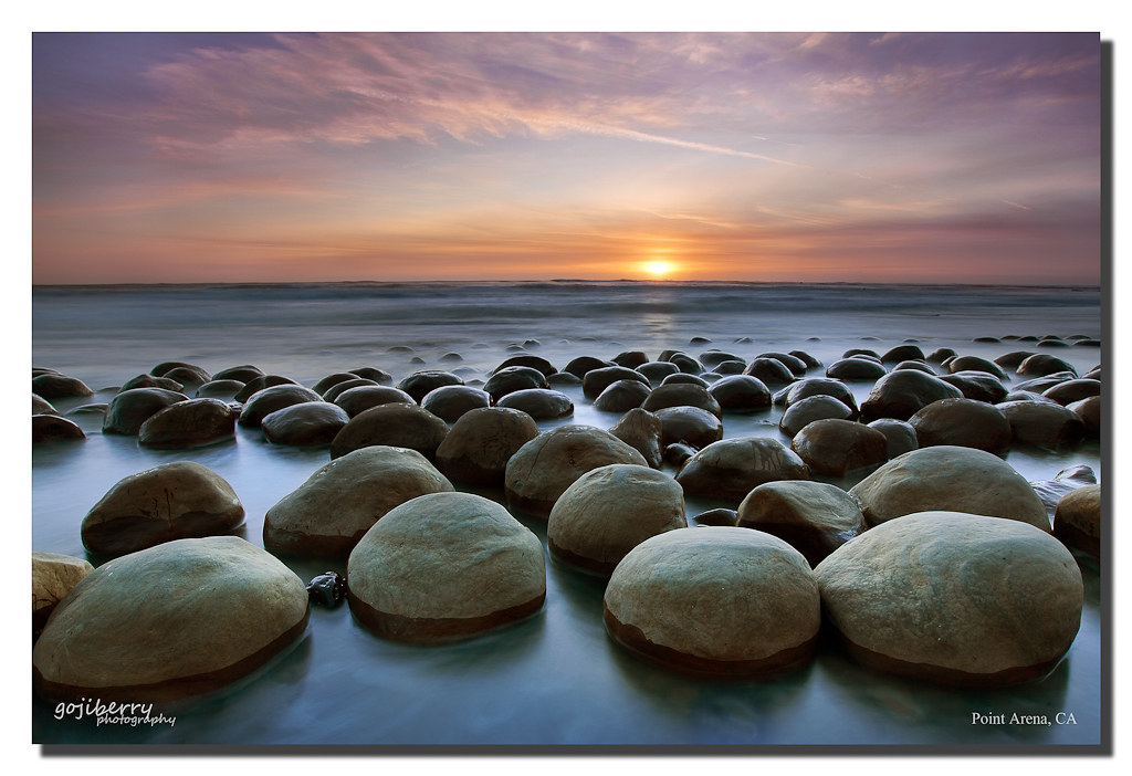 Clustering, Bowling Ball Beach, Point Arena, CA