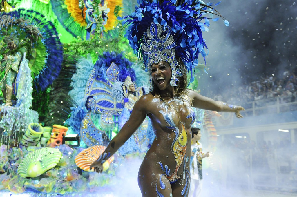 Transsexuals ready to enjoy carnival high