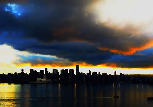 無料写真素材, 建築物・町並み, 都市・街, 朝焼け・夕焼け, 暗雲, 風景  カナダ, カナダ  バンクーバー