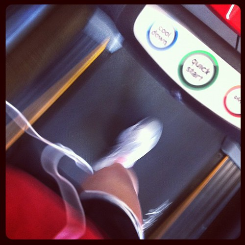 6959085669 6b2f1e799d A Moment on the treadmill, dreaming about para  para  paradise.
