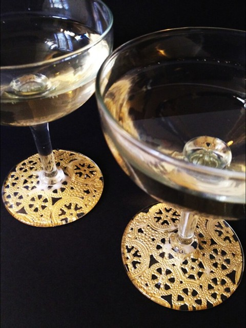 10 Gilded Lace Champagne Glasses
