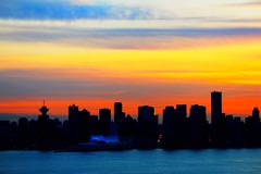 [Free Images] Architecture, City / Town, Sunrise / Sunset, Landscape - Canada, Canada - Vancouver ID:201203122000