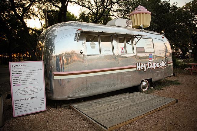 Hey Cupcake! - Desserts in Austin Texas // localadventurer.com