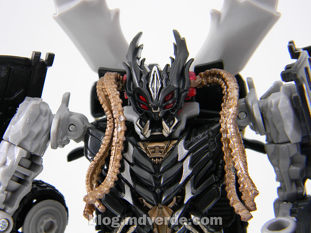 Transformers Crankcase Deluxe - Dark of the Moon - modo robot