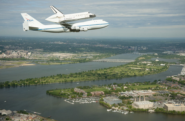 Space Shuttle Discovery DC Fly-Over (201204170007HQ)