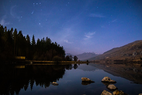 Llyn Mymbur at night
