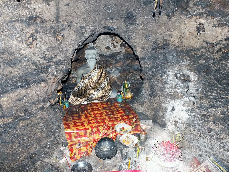 Statue in Cave - Phnom Sampeau