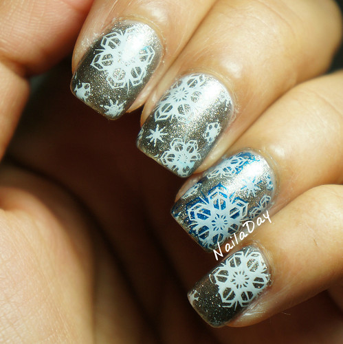 NailaDay: Sparkly grey franken with snowflakes