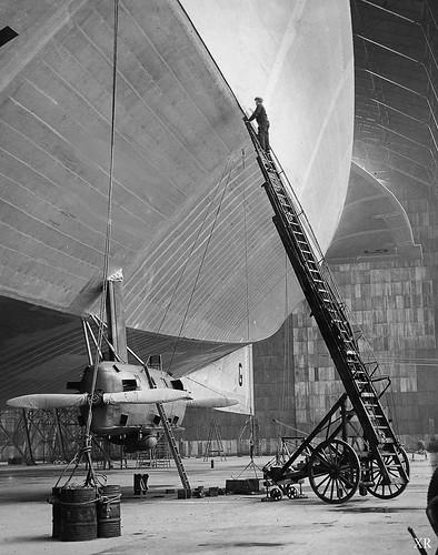 1929 ... R100 British Zeppelin
