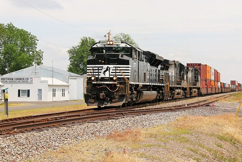railroad train illinois ns railway 112 sou hoffman norfolksouthern manifest 2777 emd sd70m2 southernrailroad southernwestdistrict